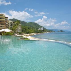 Contemporary: Garza Blanca Resort and Spa